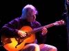 0132_Paul+guitar