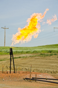 Orvis_State_natural_gas_flare_01_-_Arnegard_North_Dakota_-_2013-07-04